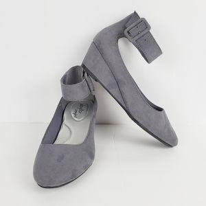 DexFlex Comfort Gray Suede Wedge 8.5